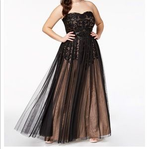 Trendy plus size strapless tulle-Overlay ball gown